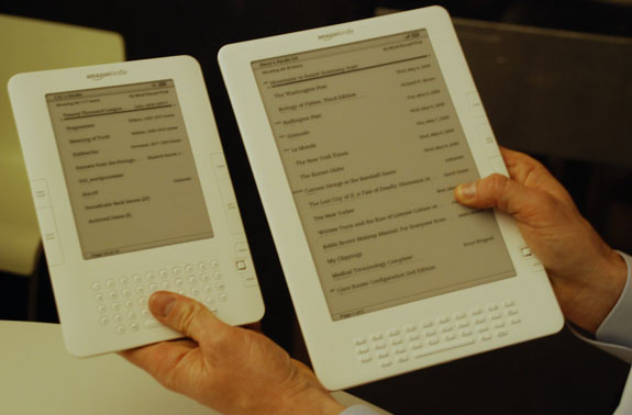 travel gadgets kindle e book reader  The Kindle 2 vs the new Graphite Kindle DX